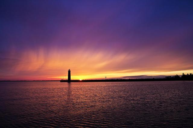 Muskegon_lake.jpg